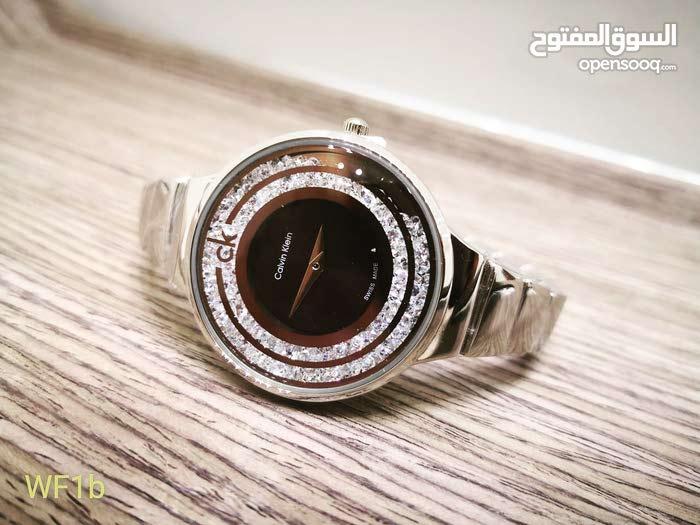 307976ca1 ساعة نسائية راقية باللون الفضي مع الأسود ، ماركة تقليدية Calvin klein