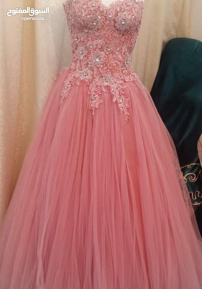 فستان شبكة فخم جدا واللون مميز