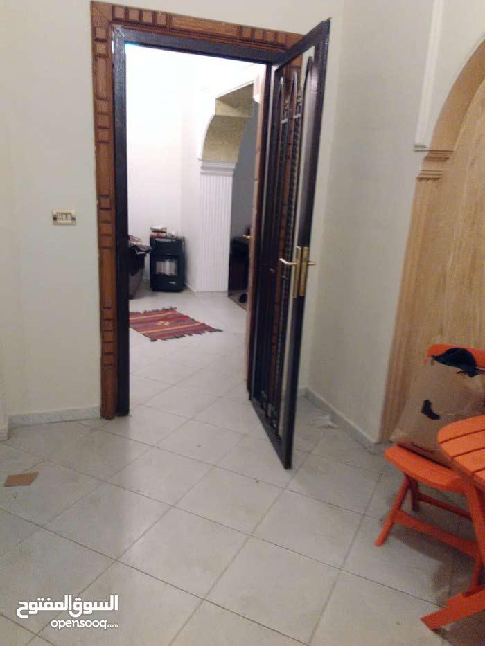 للبيع شقة في جبل اللويبدة مع تراس