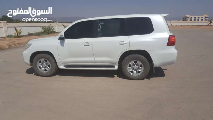 Toyota Land Cruiser J70 car is available for a Week rent