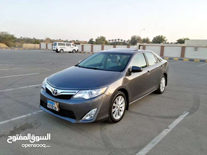 Grey Toyota Camry 2013 for sale