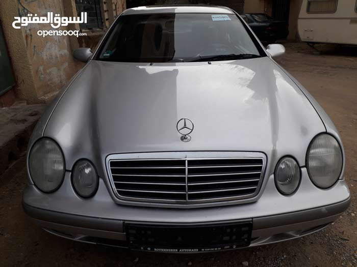 Automatic Silver Mercedes Benz 1998 for sale
