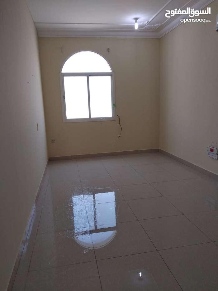غرفه وصاله مطبخ وحمام جنب المركز العبيب الصحي