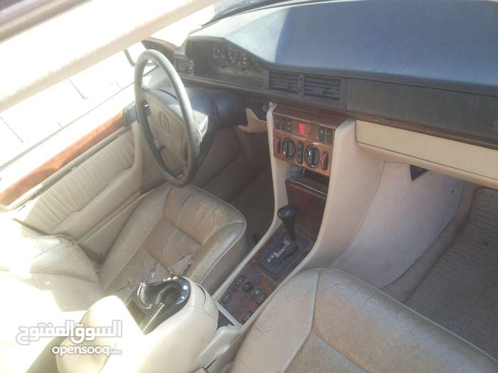 Mercedes Benz C 200 car for sale 2000 in Tripoli city