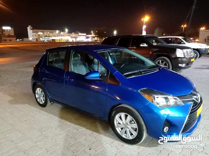Blue Toyota Yaris 2015 for sale