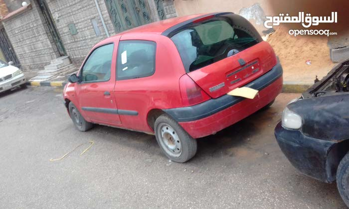 Manual Renault 2002 for sale - Used - Tripoli city