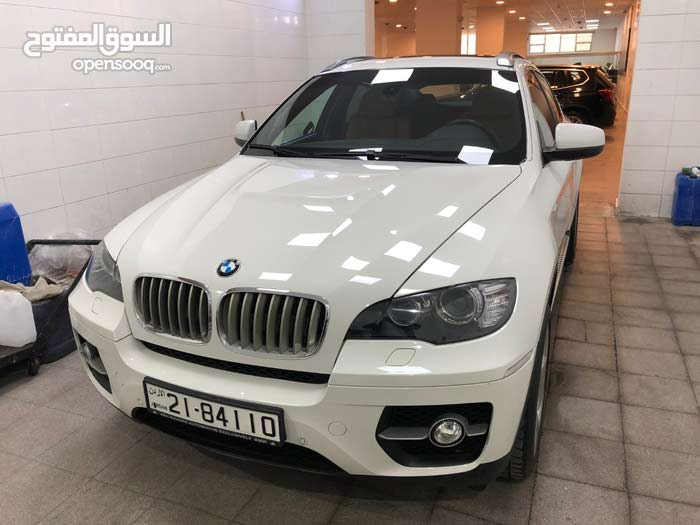 Automatic White BMW 2010 for sale