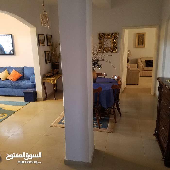 شقة للبيع في قرقارش ابونواس