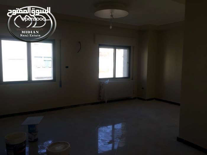 Best property you can find! Apartment for sale in Tla' Ali neighborhood