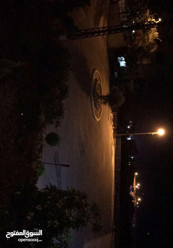 شقة للايجار في منطقة الدامور، طابق أرضي ،شرفة ، مواجه للبحر ، موقف خاص ، يبعد 20 دقيقة عن بيروت