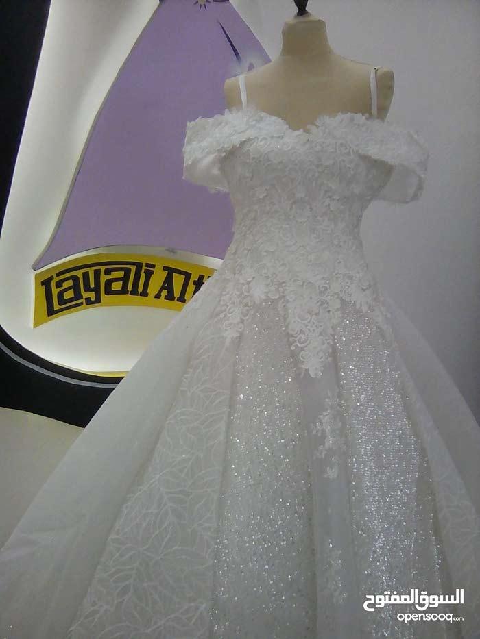 فساتين زفاف استخدام مرتين للبيع ب 50 ريال