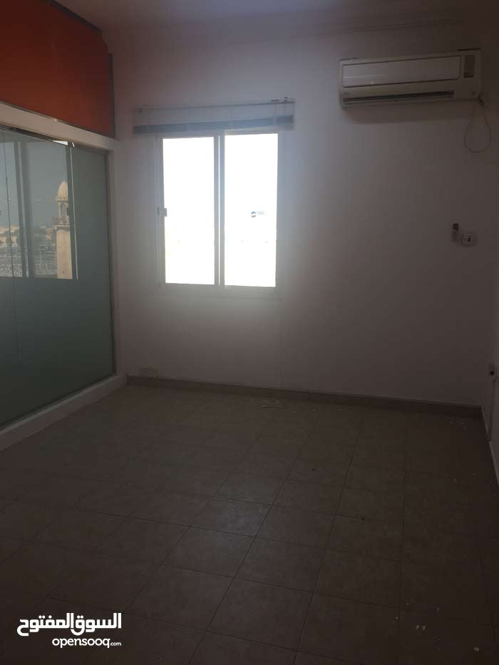 For rent office in wakra no commission / 1 month free