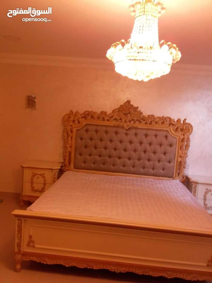 غرفة نوم بحاله ممتازه