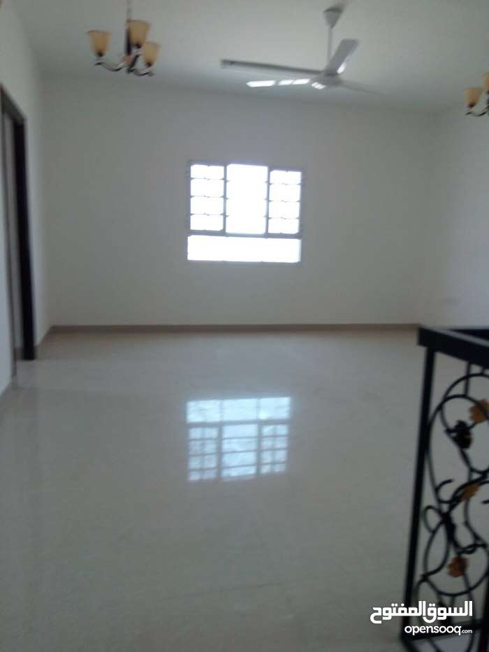 4 rooms More than 4 bathrooms Villa for sale in AmeratAmerat Area 5