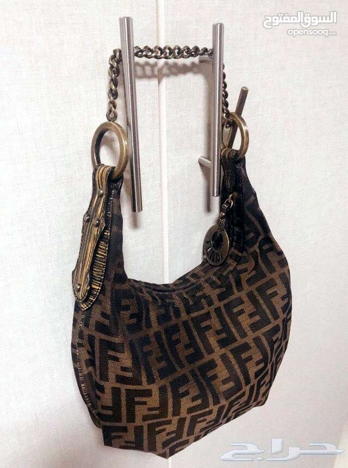 a Hand Bags that's condition is Used is up for sale