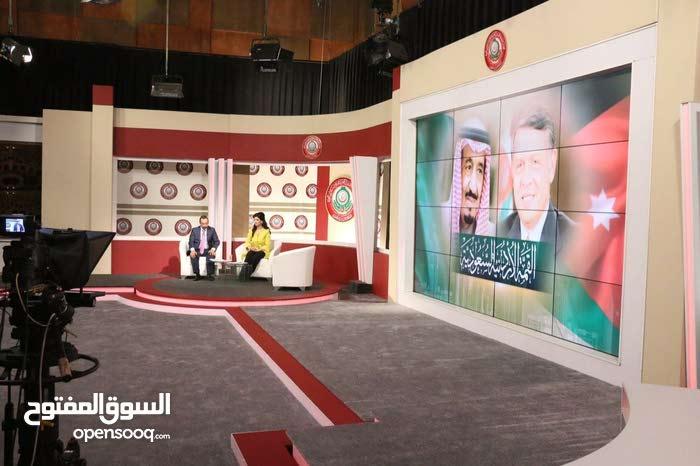 شاشات خاصه لاستديوهات التلفزيون وقاعات الاجتماعات