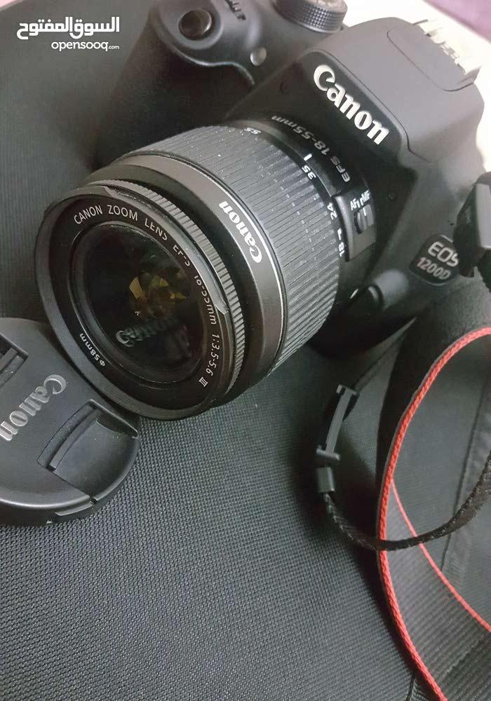 كاميرا كانون بحالة ممتاز جدا النوع1200d
