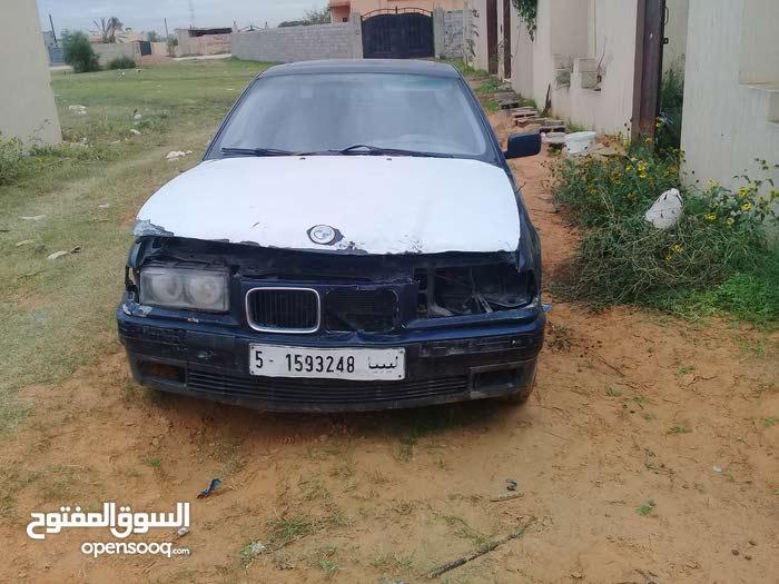 For sale BMW 320 car in Tripoli