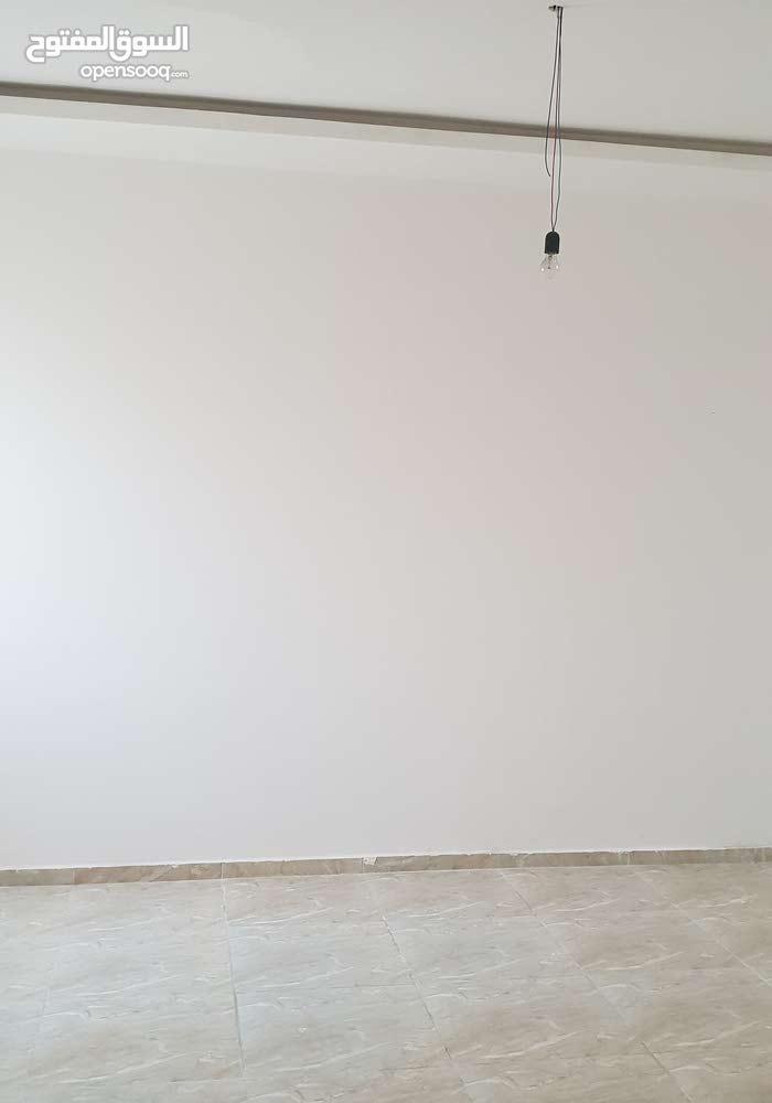 منزل للبيع تشطيب جديد وحديث في زويته
