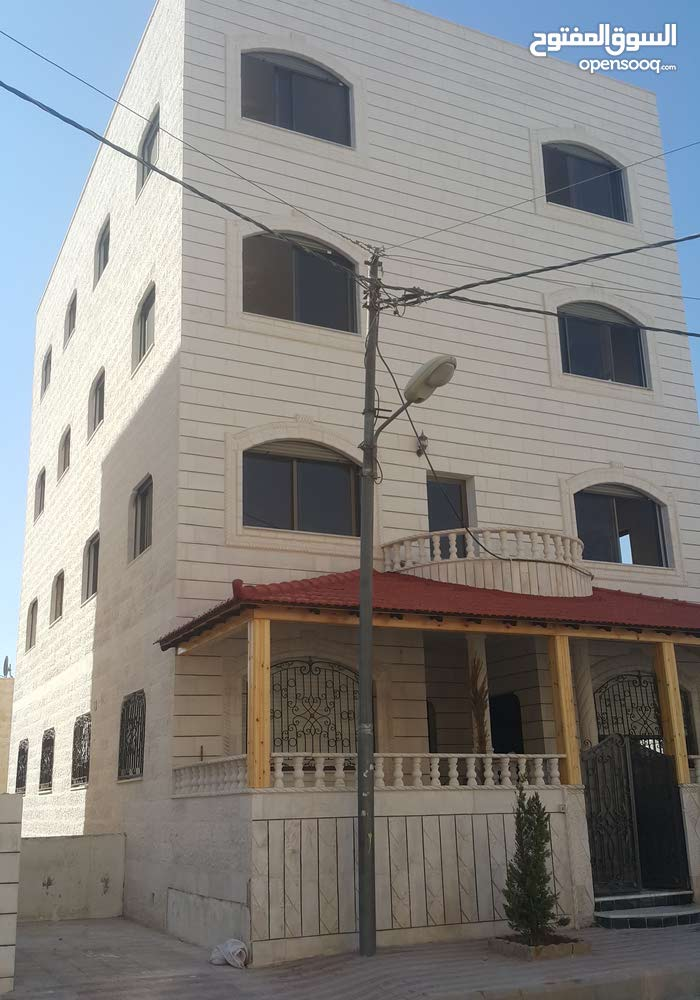 Jabal Al Naser neighborhood Amman city - 150 sqm apartment for rent