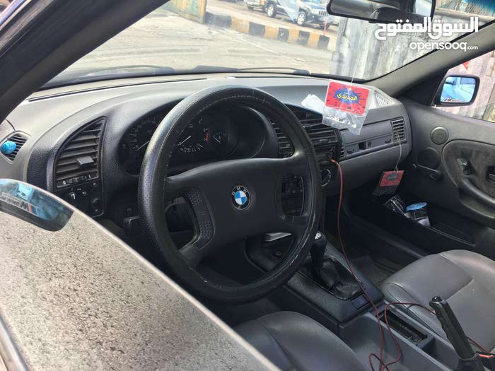 Available for sale! +200,000 km mileage BMW 318 1997