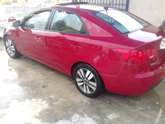 Automatic Red Kia 2012 for sale