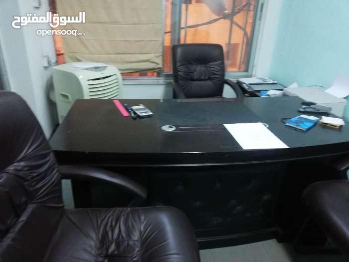 مكتب  طابق 2 مساحة 22 متر يصلح لرخصة مهن