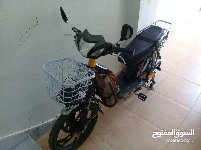 دراجه كهربائيه 5 بطاريات بحاله ممتازه صنوبر سات ورا وقدام السعر 600 وقابل للتفاوض بنور الله