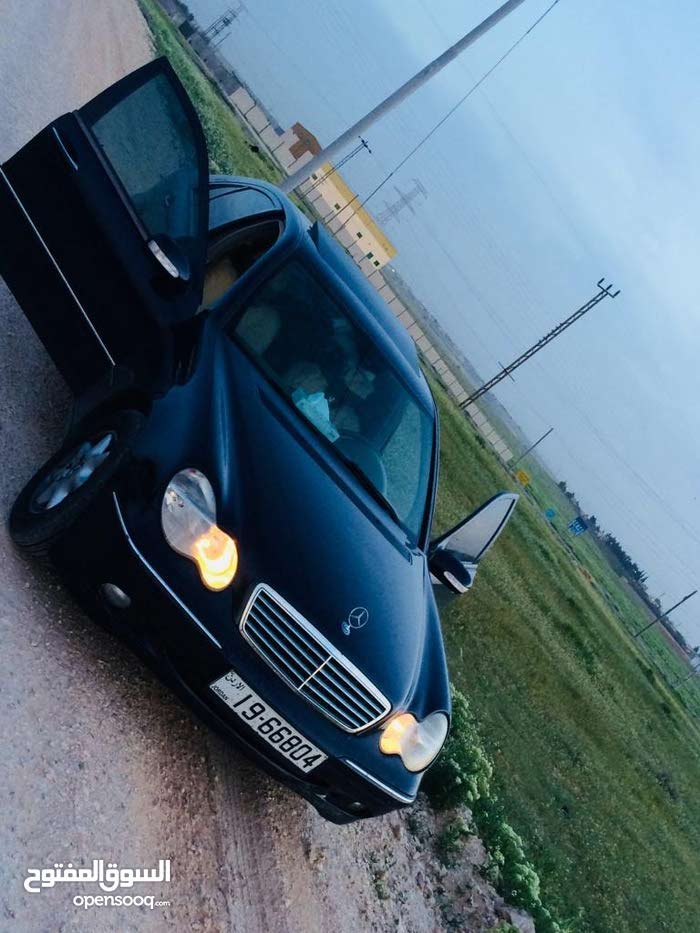 Mercedes Benz C 200 2004 For sale - Black color