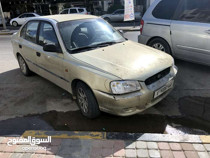 Used condition Hyundai Verna 2001 with +200,000 km mileage