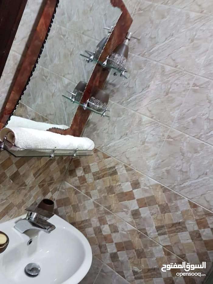 شقة 120م للبيع - طبربور ابو عاليا بجانب القياده العامه بعد دوار الدبابه