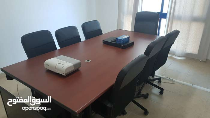 8 seaters Meeting room table