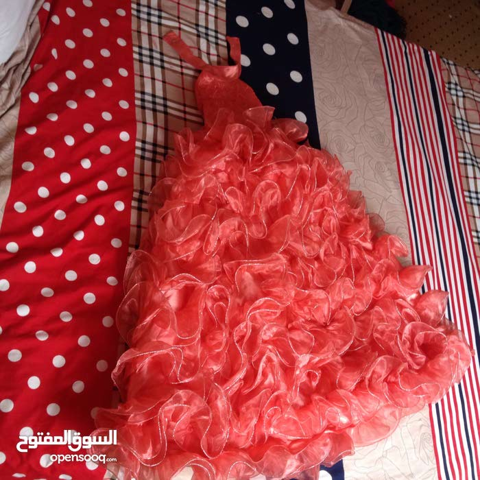 فستان ب 100 د