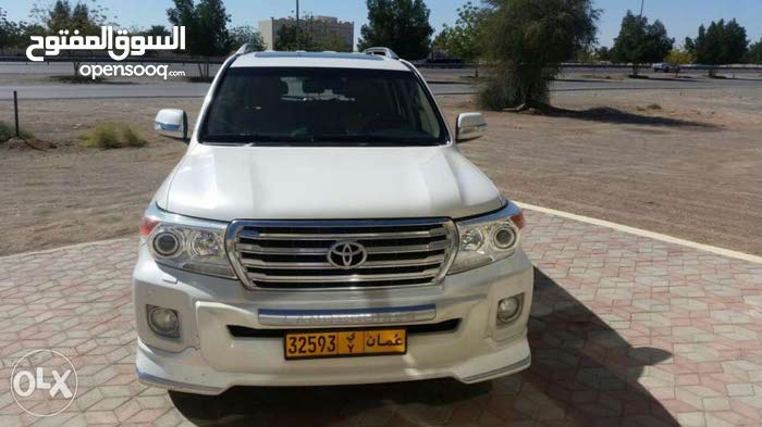 Used condition Toyota Land Cruiser 2012 with 180,000 - 189,999 km mileage