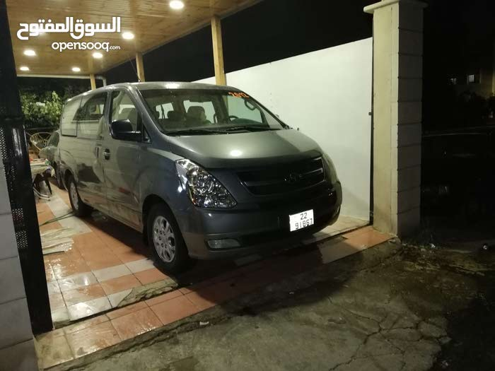 Used condition Hyundai H-1 Starex 2012 with 1 - 9,999 km mileage