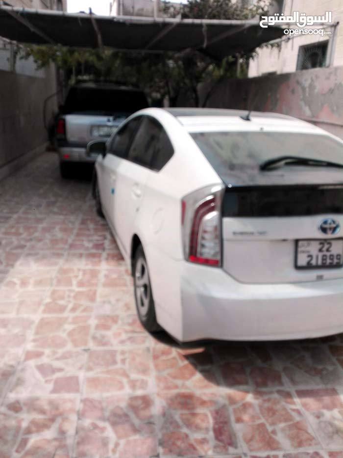 Available for sale! 20,000 - 29,999 km mileage Toyota Prius 2013