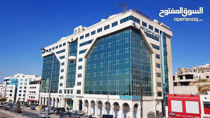 مكاتب تجارية(غرف مكتبية) مفروشة ورخصة مهن /للايجار - الجبيهة