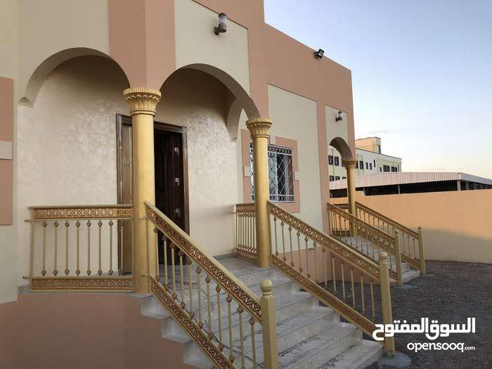 منزل جديد للبيع في الرده 7