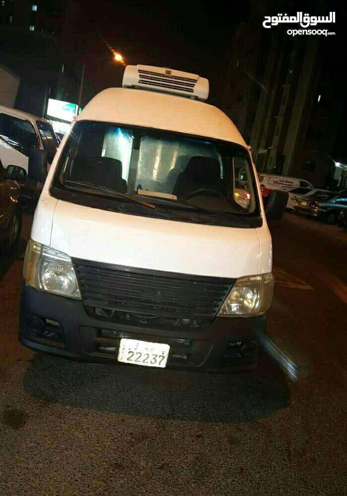 White Nissan Van 2007 for rent