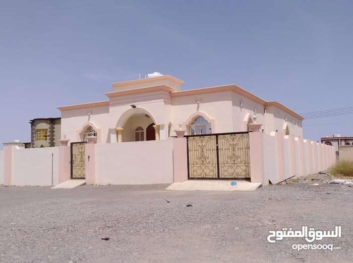 منزل للبيع في ولاية ينقل محافظة الظاهره