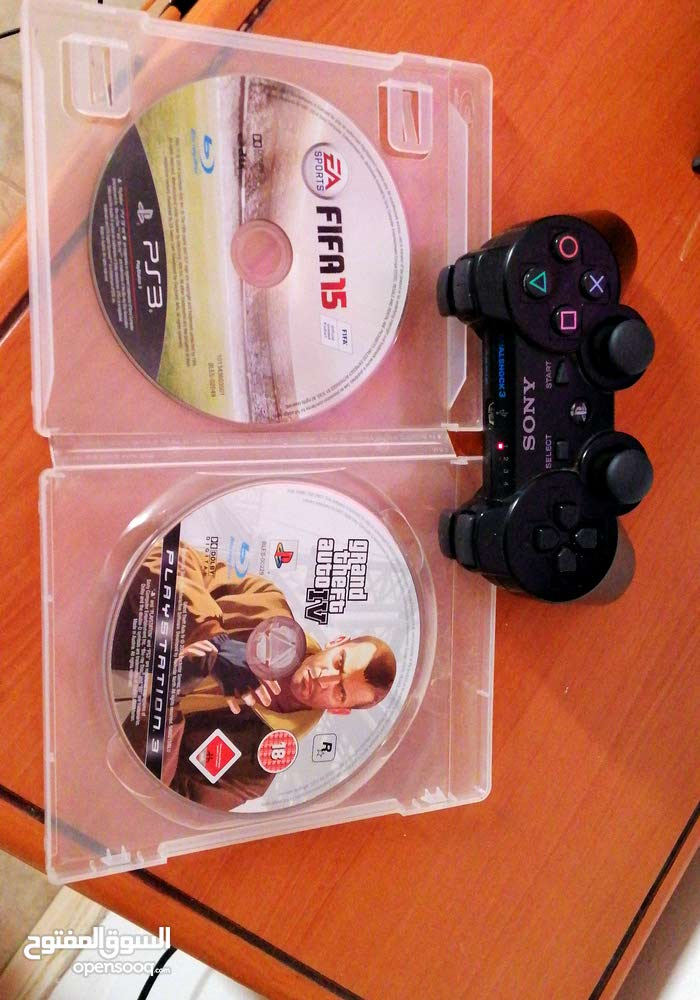Ps3 controller  with 2 games