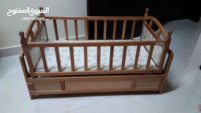 سرير هزاز للطفل للنوم