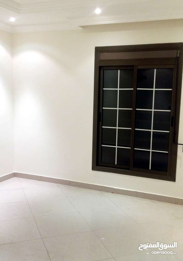 Second Floor  apartment for rent with 4 rooms - Jeddah city Az Zahra