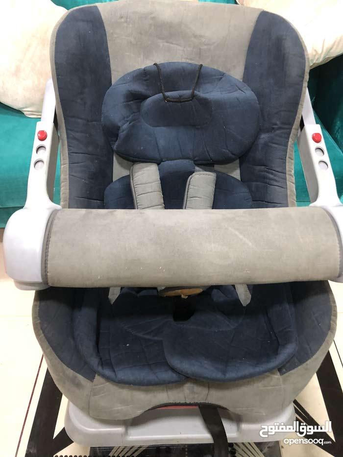 كرسي اطفال للسيارة