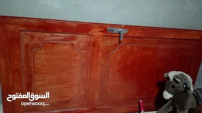 باب خشب ثقيل تفصيل