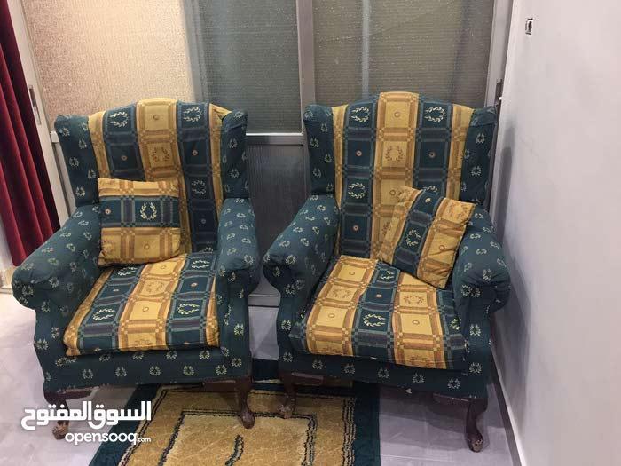 طقم كنب 7 مقاعد لون ذهبي واخضر