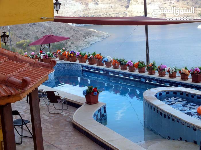 Villas in Salt and consists of: More Rooms and 4 Bathrooms is available for rent