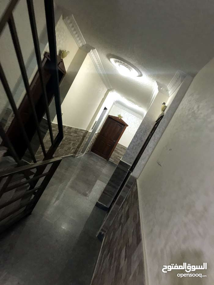 Jubaiha apartment for rent with 3 rooms
