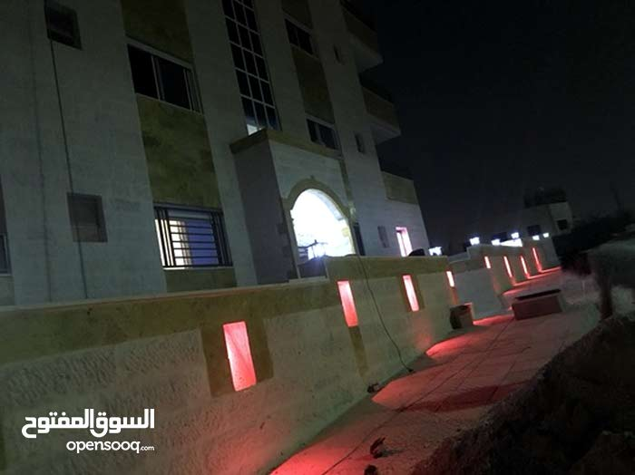 شقة ارضية فخمة للبيع  حي عدن