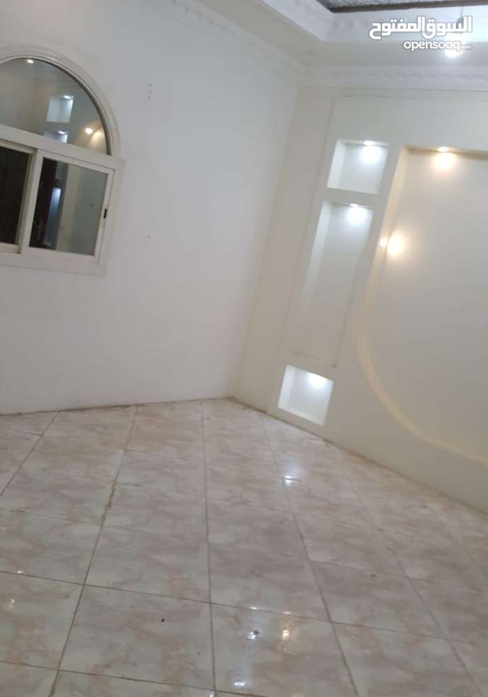 Ground Floor  apartment for rent with 5 Bedrooms rooms - Al Madinah city King Fahd